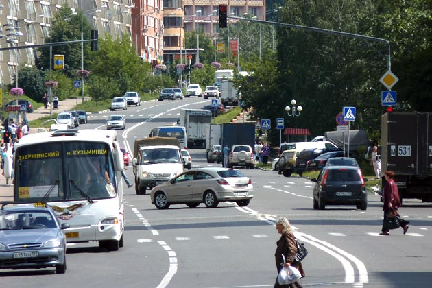 Прямые улицы в Дзержинском - редкость Фото: Двести РУ