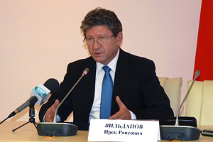 И. Вильданов: «Больше кандидатов - выше явка» Фото: Двести РУ