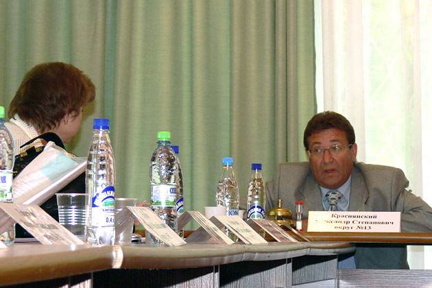 Председатель дзержинского Совета депутатов А. Краснянский, 2009 год Фото: Двести РУ архив