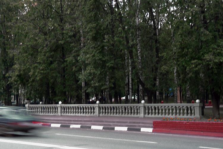 Балюстрада у сквера Пушкина, июль 2014 Фото: Двести РУ