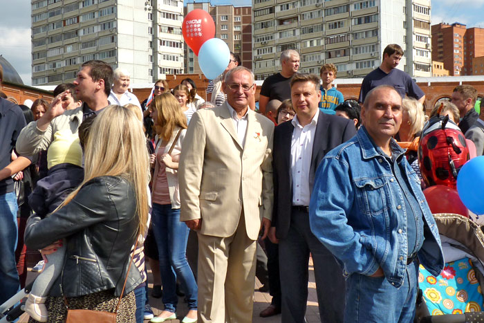 Кандидаты Жуков и Миронов