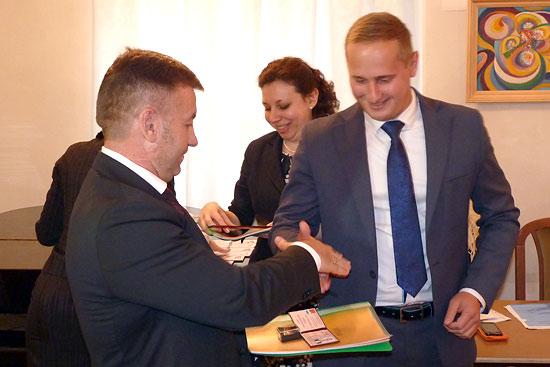 Депутатский мандат вручается представителю ЛДПР